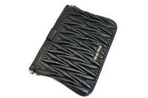 miu miu Matelasse Lambskin Leather Clutches 81154 Black