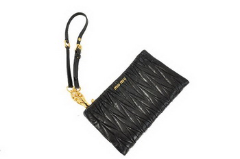 miu miu Matelasse Bright Leather Clutches M1710 Black
