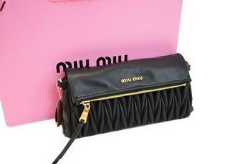 miu miu Pressed Small Matelasse Nappa Lamb leather Clutch RP0345 Black