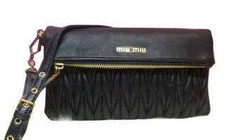 miu miu Pressed Small Matelasse Nappa Lamb leather Clutch RT0363 Black
